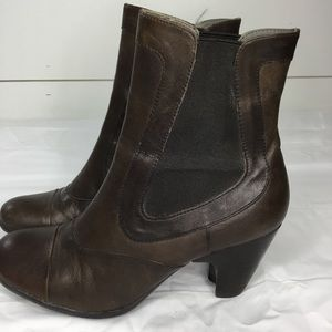 Born Brown Leather Boots Size 7.5